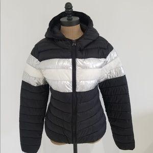 Forever 21 lightweight hooded puffer jacket